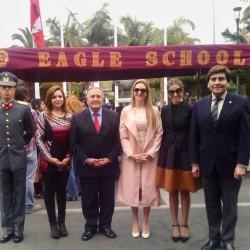 Izq Teniente Jean Paul Guedeney- Patricia de Molinda-Intendente Arturo Molina-Rocio Eaglehurst-Karyn Eaglehurst-Martin Breton